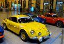 La estación de Valencia Nord acoge una exhibición de automóviles del conocido modelo 'Alpine A110'