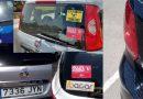 Colocan pegatinas en los vehículos de las firmas de alquiler de coches en Mallorca