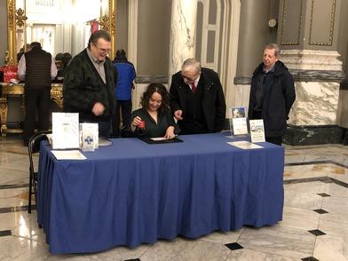 El Salón de Cristal del Ayuntamiento acoge una muestra filatélica sobre Blasco Ibañez