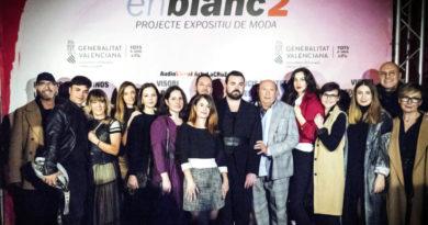 Los diseñadores de Artenblanc2 desfilan en el Centre del Carme