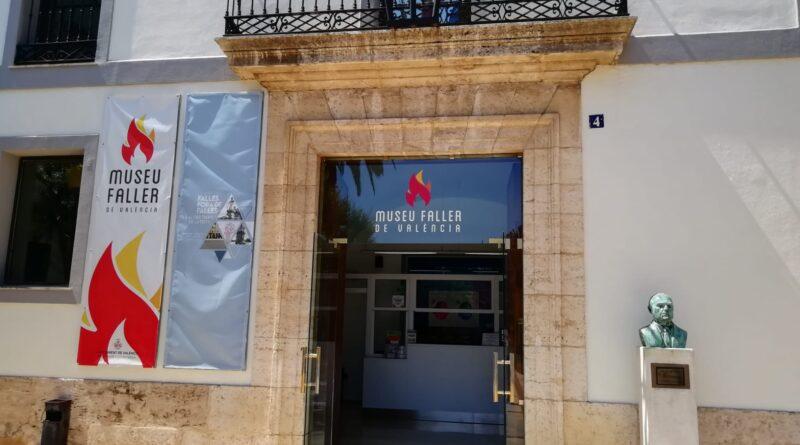 Los museos Museo Fallero como el Museo de la Semana Santa Marinera abren sus puertas este viernes