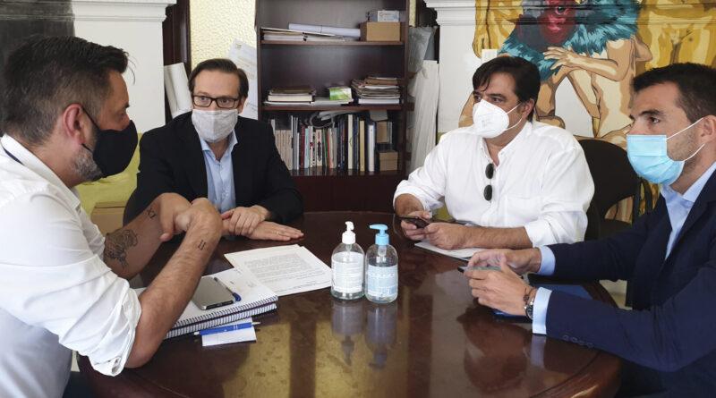 Amstel traslada al Ayuntamiento de València su compromiso con la hostelería y sociedad valenciana