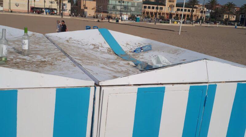 Daños por 15.000 euros en la playa de Valencia por botellones